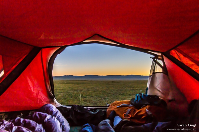 Morgendlicher Blick aus dem Zelt